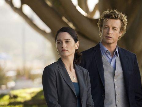 The Mentalist - Ein neuer Mordfall beschäftigt Teresa Lisbon (Robin Tunney, l...