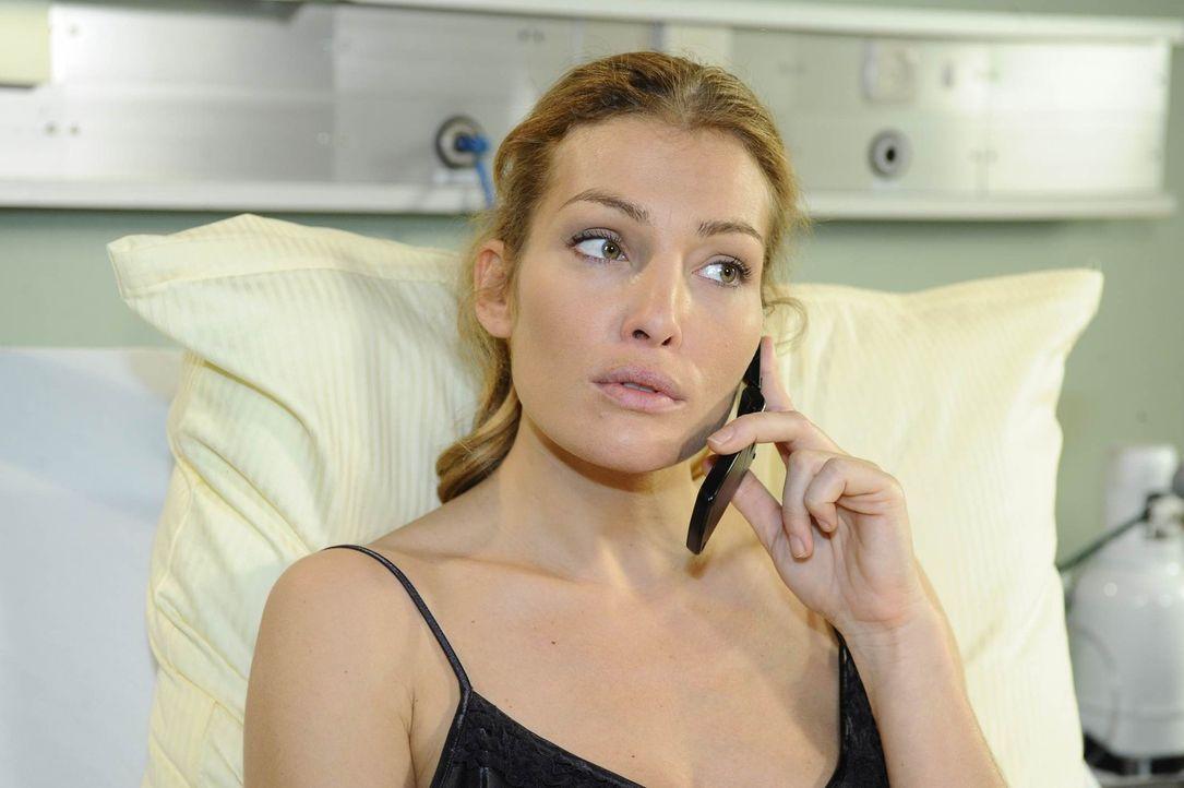 Mia hat von Julian erfahren, dass Alexander vorhat, sich von Annett (Tanja Wenzel) zu trennen, was ihr neuen Mut verleiht ... - Bildquelle: SAT.1