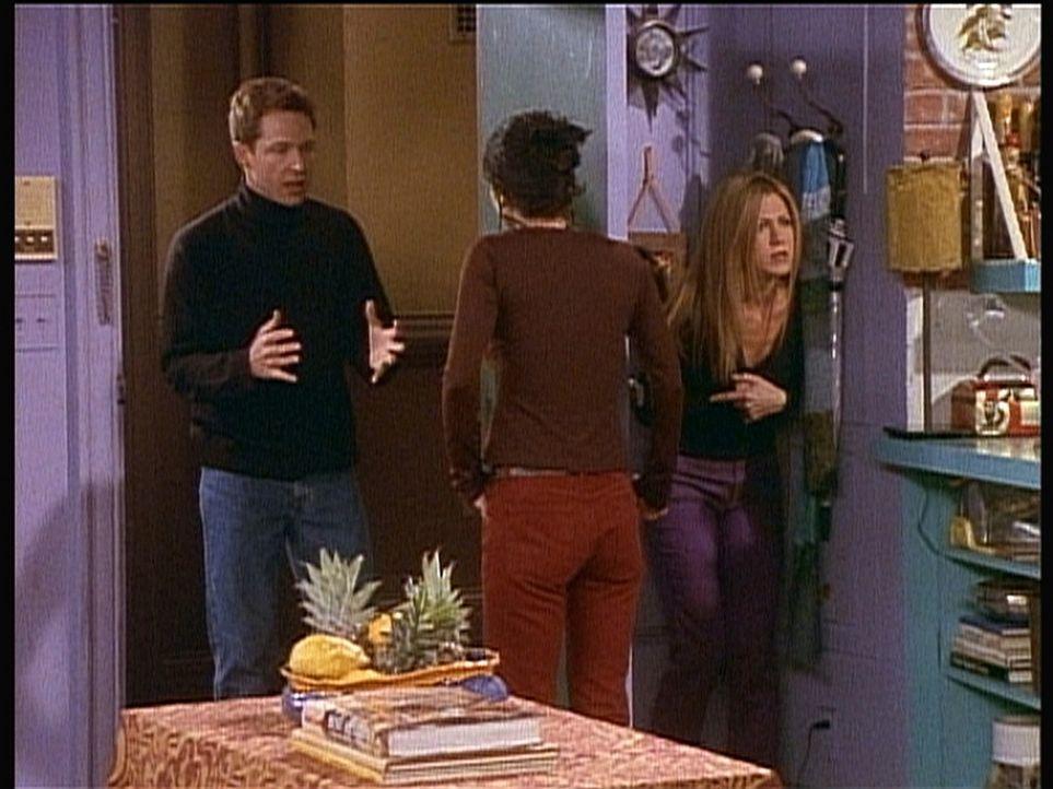 Rachel (Jennifer Aniston, r.) ist etwas irritiert über ihren neuen Nachbarn Danny (George Newbern, l.). - Bildquelle: TM+  2000 WARNER BROS.