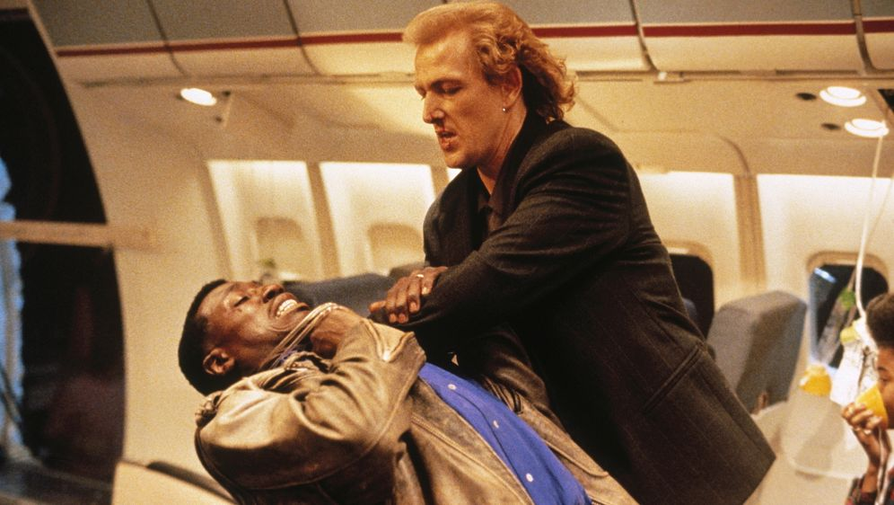 Passagier 57 - Bildquelle: Warner Bros.