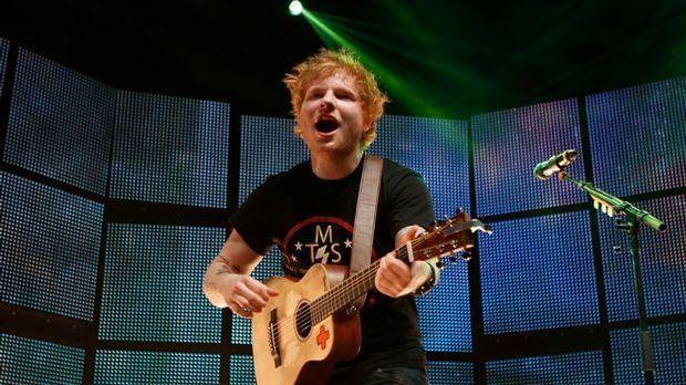 6-Ed-Sheeran-2013-dpa_132128