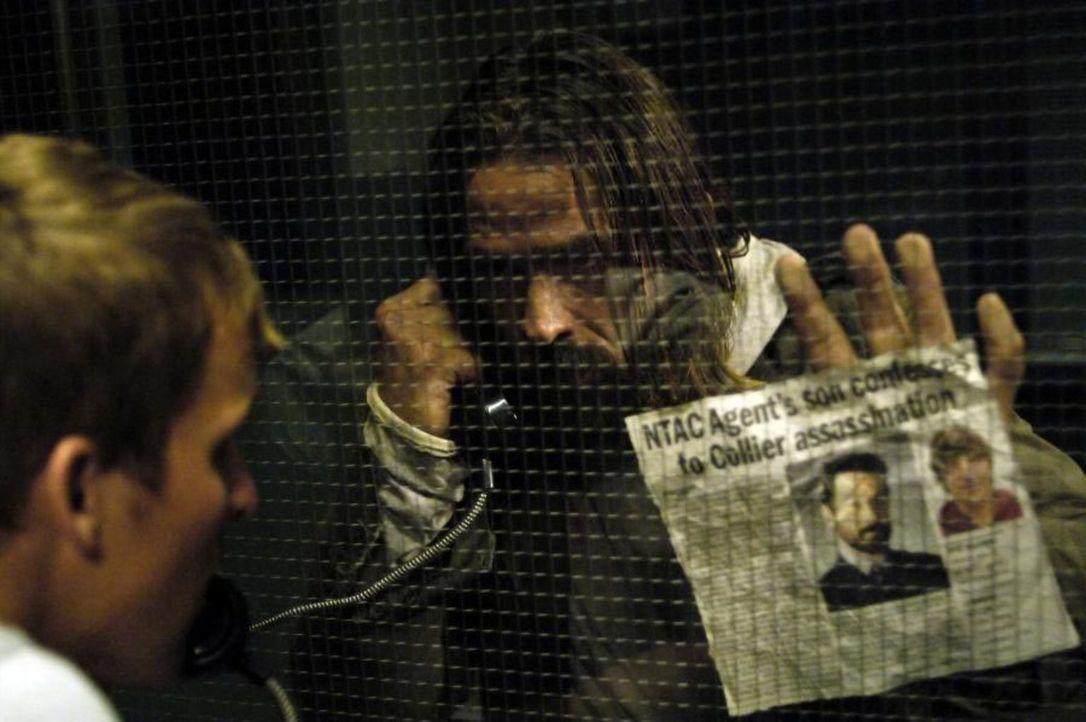 Jordan (Bill Campbell, r.) besucht Kyle (Chad Faust, l.) im Gefängnis und will wissen, ob Kyle ihn getötet hat ... - Bildquelle: Viacom Productions Inc.