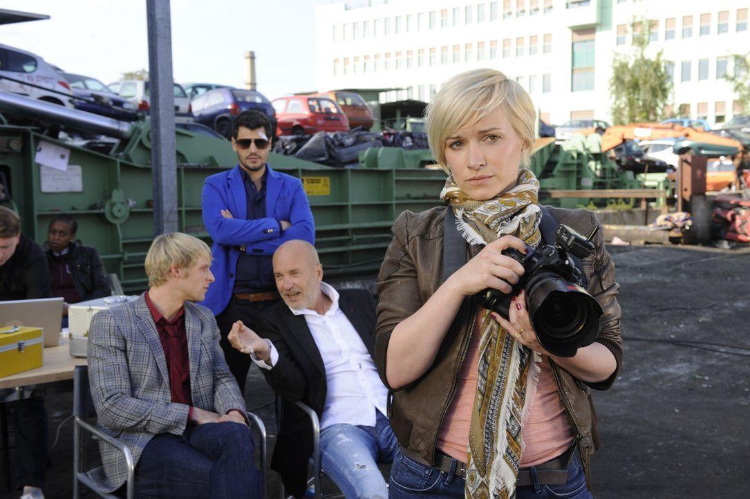 Bei der Arbeit: (v.l.n.r.) Virgin (Chris Gebert), Luca (Manuel Cortez), Bruno (K. Dieter Klebsch) und Olivia (Kasia Borek) ... - Bildquelle: SAT.1
