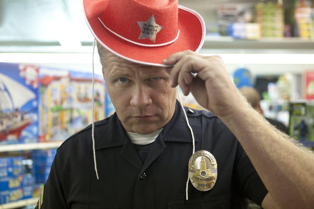 Ist immer für einen Spaß zu haben: Officer John Cooper (Michael Cudlitz) - Bildquelle: Warner Brothers