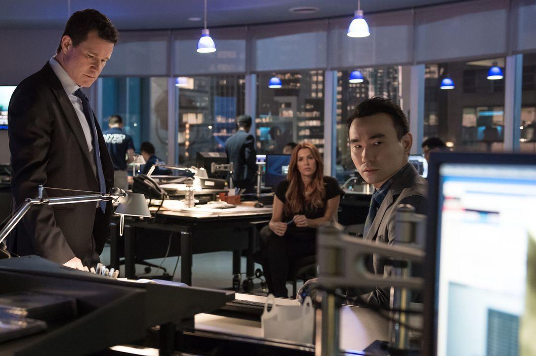 Ermitteln in einem neuen Fall: (v.l.n.r.) Al (Dylan Walsh), Carrie (Poppy Montgomery) und Jay (James Hiroyuki Liao) ... - Bildquelle: 2014 Broadcasting Inc. All Rights Reserved.