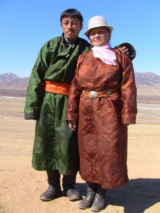Chucka und Tserendolgor leben das buddhistische Erziehungsprinzip: Mit Strenge und Liebe erziehst Du jedes Kind! - Bildquelle: kabel eins