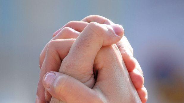 Hände-halten-pixabay
