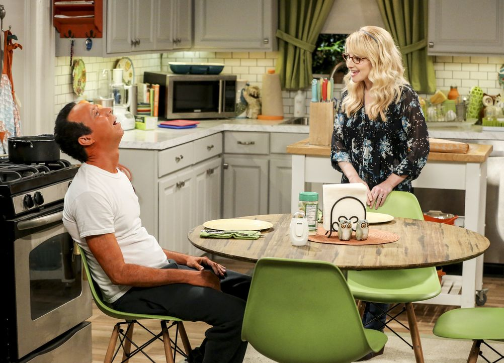 Stuart (Kevin Sussman, l.); Bernadette (Melissa Rauch, r.) - Bildquelle: Warner Bros. Television