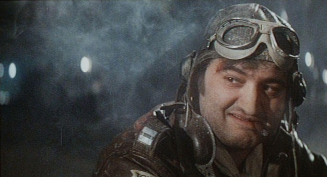 Der ständig betrunkene Pilot Wild Bill Kelso (John Belushi) bombardiert im Tiefflug den Hollywood-Boulevard ... - Bildquelle: Universal Pictures