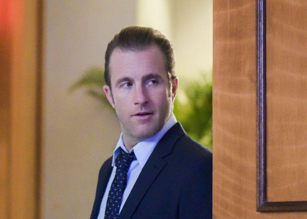Danny (Scott Caan) springt kurzfristig für seine Ex-Frau als Aufsichtsperson bei Graces Schulball ein. Doch als plötzlich Terroristen den Ballsaal s... - Bildquelle: Norman Shapiro 2016 CBS Broadcasting, Inc. All Rights Reserved