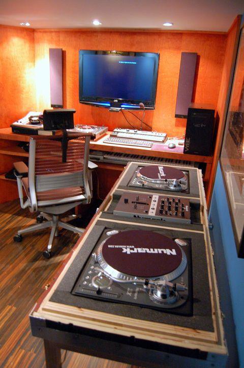 Ein Paradies für DJs - Bildquelle: Nathan Frye 2011, DIY Network/ Nathan Frye