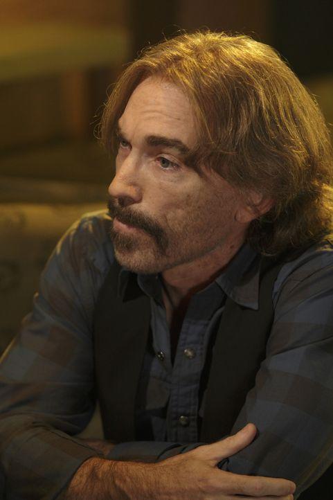 Chance nimmt einen Fall von Donnelly, einem alten Bekannten aus der Unterwelt, an und wird dabei von Guerrero (Jackie Earle Haley) unterstützt ... - Bildquelle: Warner Bros. Television