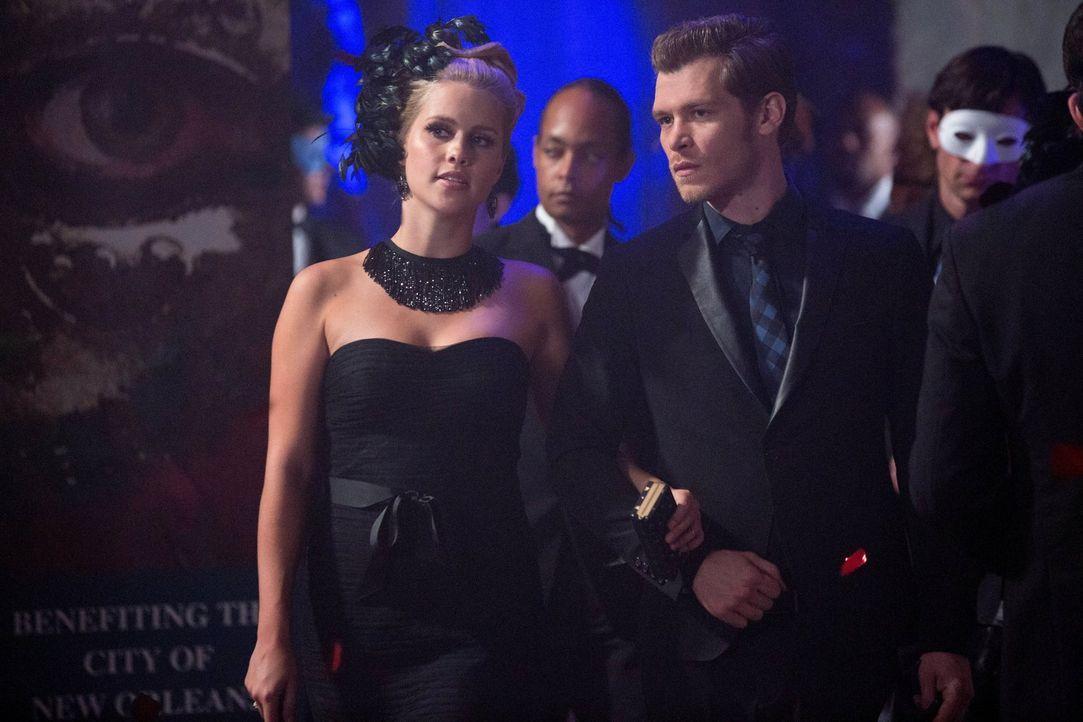 Nur zusammen können Klaus (Joseph Morgan, r.) und Rebekah (Claire Holt, l.) das Machtgefüge von Marcel zum Wanken bringen ... - Bildquelle: Warner Bros. Television