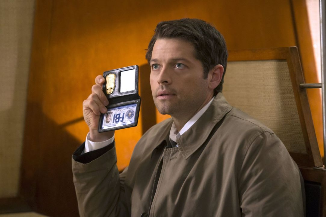 Castiel (Misha Collins) tut alles, um seine Gnade wiederzubekommen, während Sam sich auf einen gefährlichen Pfad bewegt, um Dean zu retten ... - Bildquelle: 2016 Warner Brothers