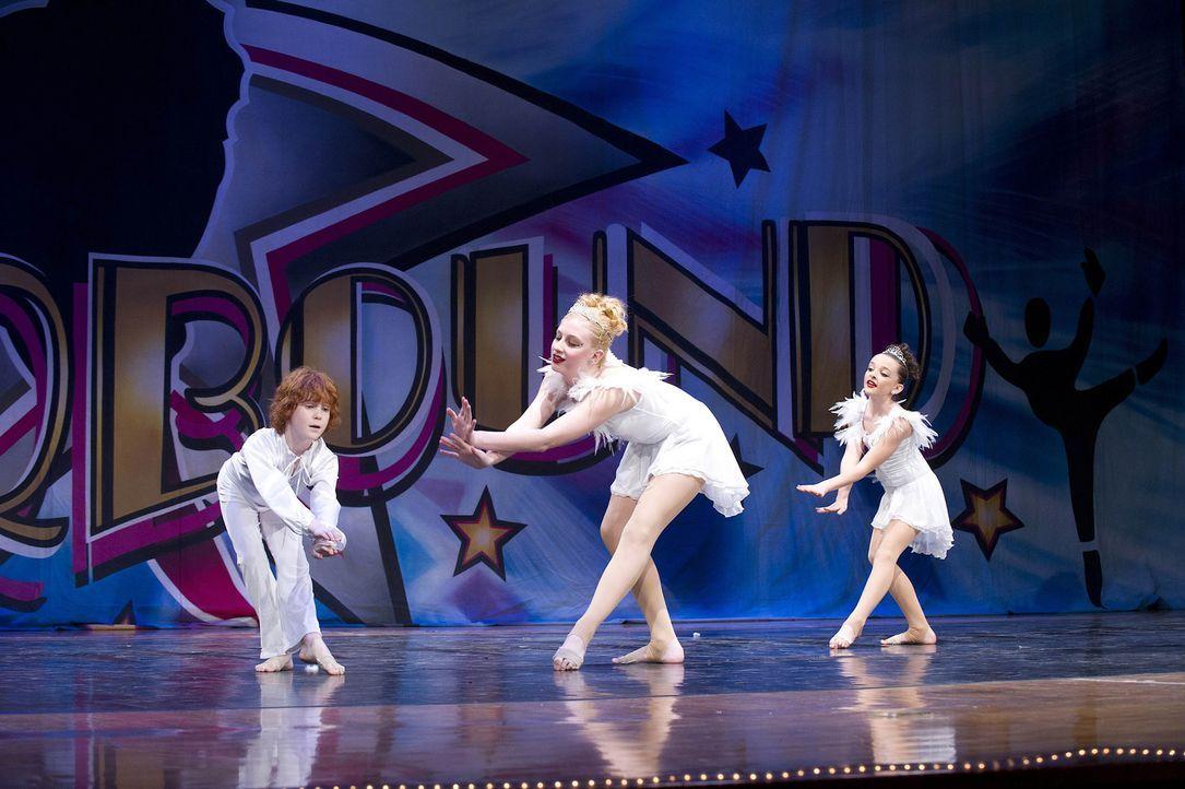 Können die jungen Tänzer beim Wettbewerb überzeugen? - Bildquelle: 2012 A+E Networks