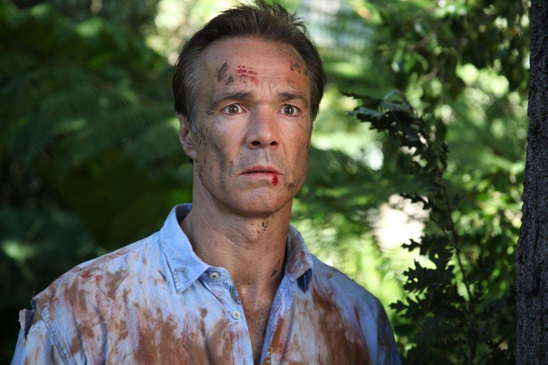 Dass der Kühlschrank nicht immer voll sein würde, damit hat Mattes (Hannes Jaenicke) durchaus gerechnet. Aber nicht, dass er am Ende des Monats völl... - Bildquelle: Boris Guderjahn SAT. 1