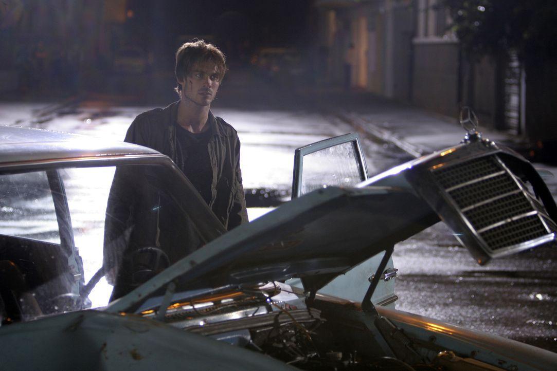 Erst viel zu spät erkennt Dexter (Ian Somerhalder), dass die Toten immer dann kommen, wenn man sein Handy einschaltet und wenn man ins wireless inte... - Bildquelle: The Weinstein Company
