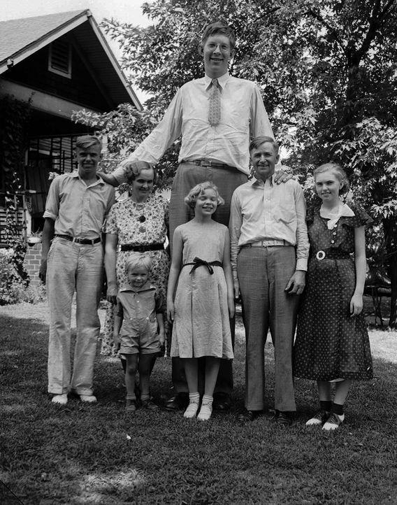 Größter Mensch - Bildquelle: dpa