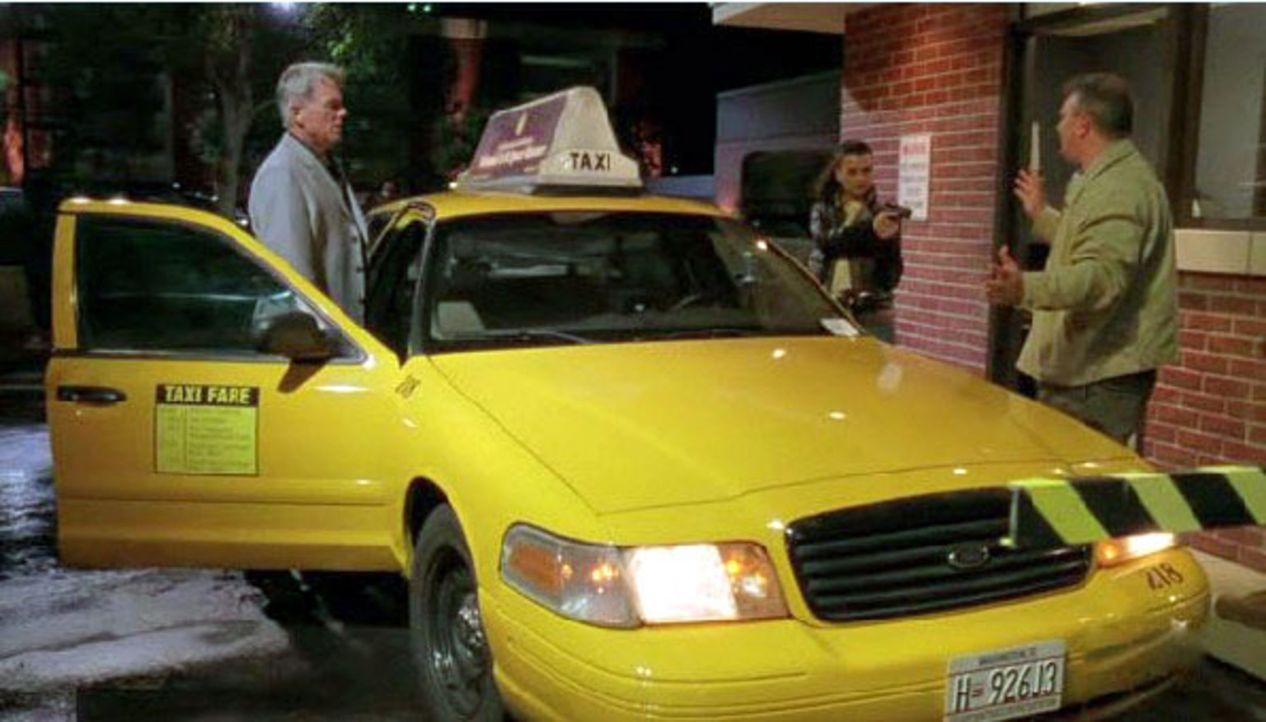 Was hat der Tote in dem Taxi mit der Navy CIS zu tun? - Bildquelle: CBS Television