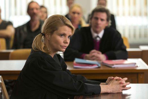 Privat wie auch beruflich geht es bei Danni (Annette Frier) turbulent weiter...