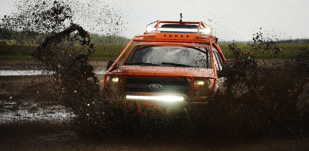 Der neue Wagen der Tornado Hunter muss auf Herz und Nieren getestet werden ...
