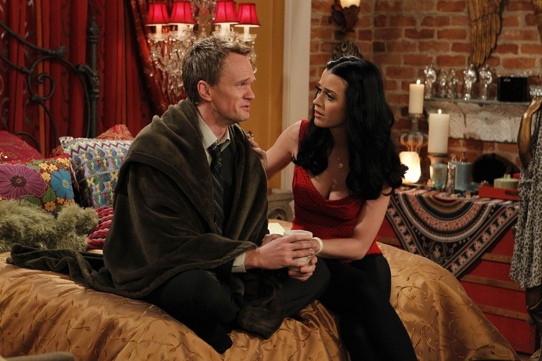Verbringen einen Abend miteinander: Barney (Neil Patrick Harris, l.) und Honey (Katy Perry, r.) ... - Bildquelle: 20th Century Fox International Television