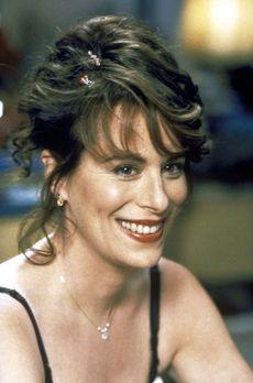 Malcolm mittendrin - Lois (Jane Kaczmarek) freut sich auf ihren Hochzeitstag....