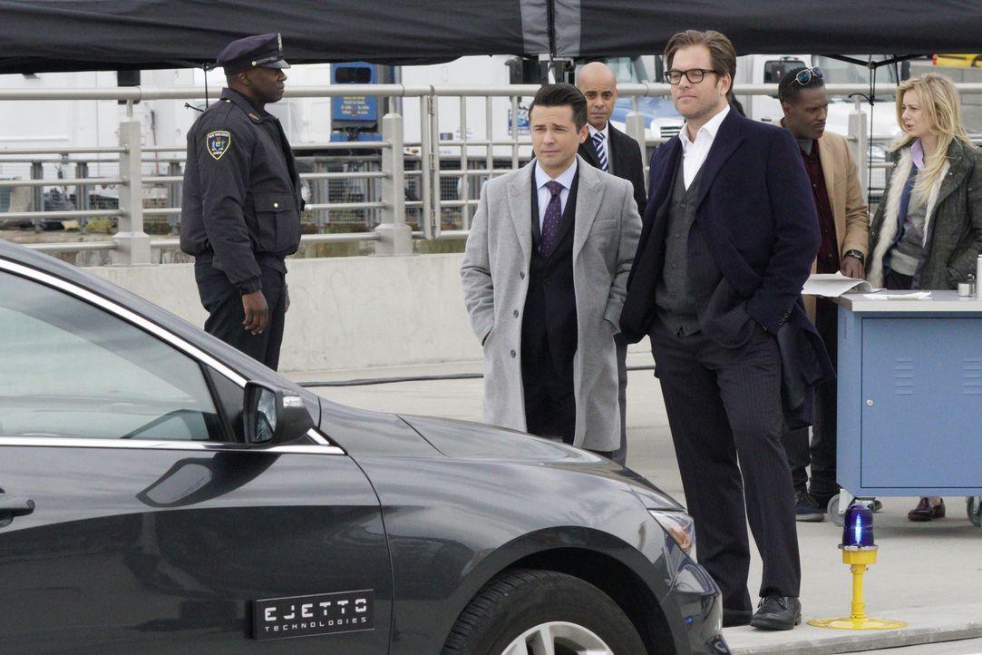 Als Bull (Michael Weatherly, vorne r.) einen Fall, bei dem ein selbstfahrendes Auto für den Tod eines Mannes verantwortlich sein soll, übernimmt, ah... - Bildquelle: John Paul Filo 2016 CBS Broadcasting, Inc. All Rights Reserved