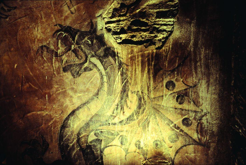 In der Höhle findet sich ein wunderbar erhaltener Abdruck eines Drachen ... - Bildquelle: Touchstone Pictures und Spyglass Entertainment Group, LP Im Verleih der Buena Vista International