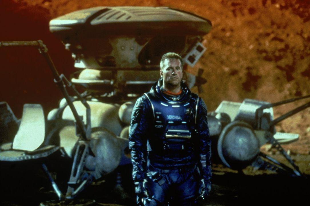 Als ihr Raumschiff in einen Sonnensturm gerät, landen Bordingenieur Gallagher (Val Kilmer) und das Team mit einer Landekapsel auf dem Mars. Allerdin... - Bildquelle: Warner Bros. Entertainment Inc.