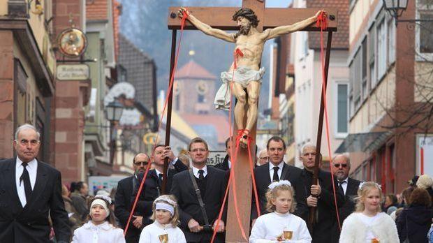 Karfreitag Prozession_dpa - Bildfunk