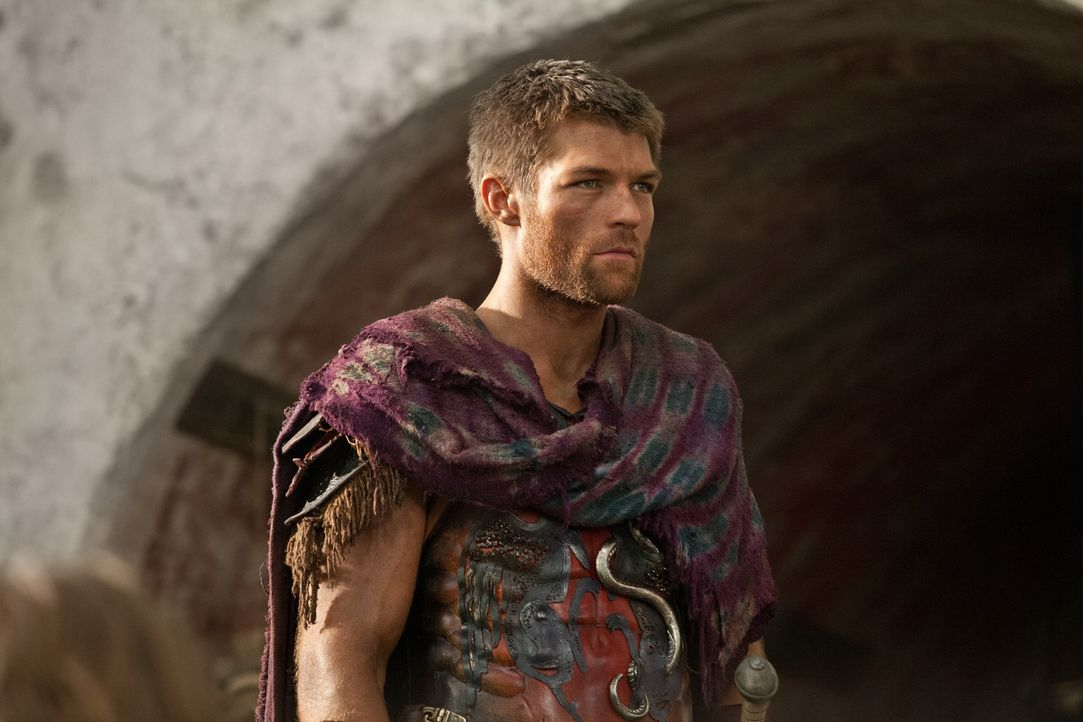 Weil Spartacus (Liam McIntyre) Crixus nicht mehr vertraut, erzählt er ihm nicht, dass er einen riskanten Plan entwickelt hat, um alle Sklaven möglic... - Bildquelle: 2012 Starz Entertainment, LLC. All rights reserved.
