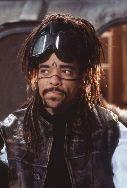 J-Bone (Ice-T) ist der Führer der Cyberspace-Guerilleros, die sich die Lo Teks nennen ... - Bildquelle: 20th Century Fox