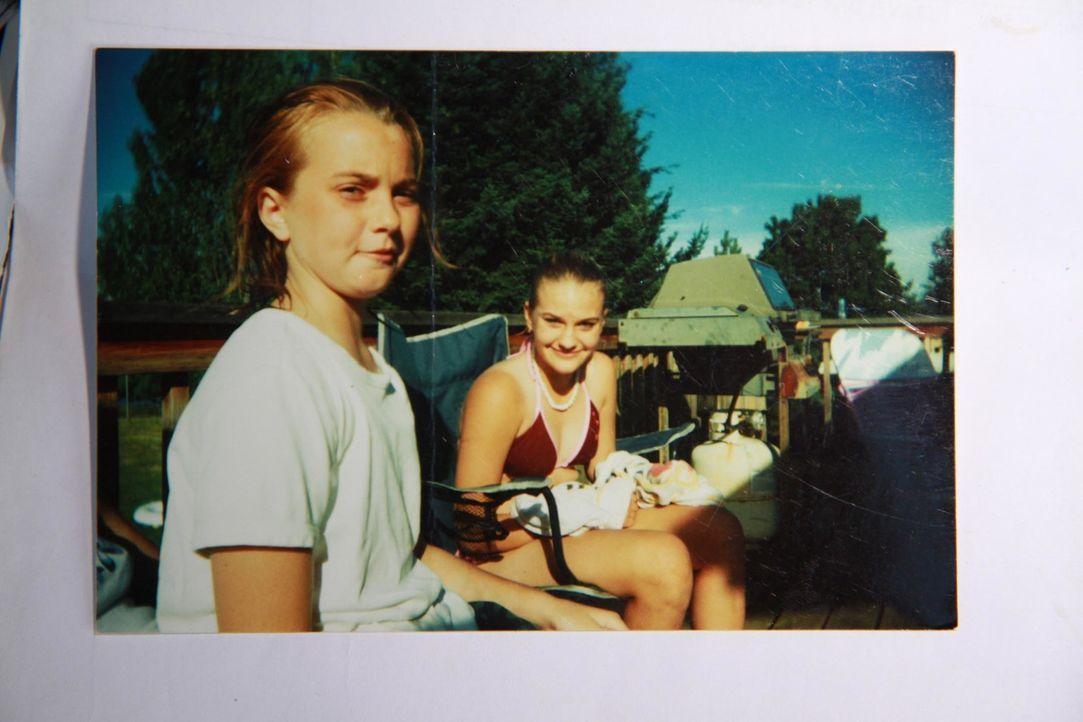 Januar 2002: Die zwölfjährige Ashley Pond (r.) verschwindet auf dem Schulweg. Zwei Monate später fehlt auch jede Spur von ihrer besten Freundin Mira...