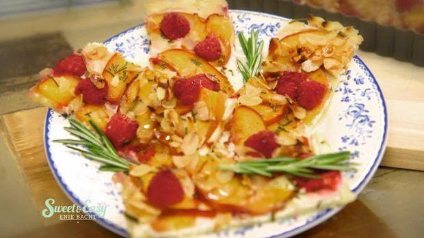 Süße Tarte-Streifen auf dem Teller