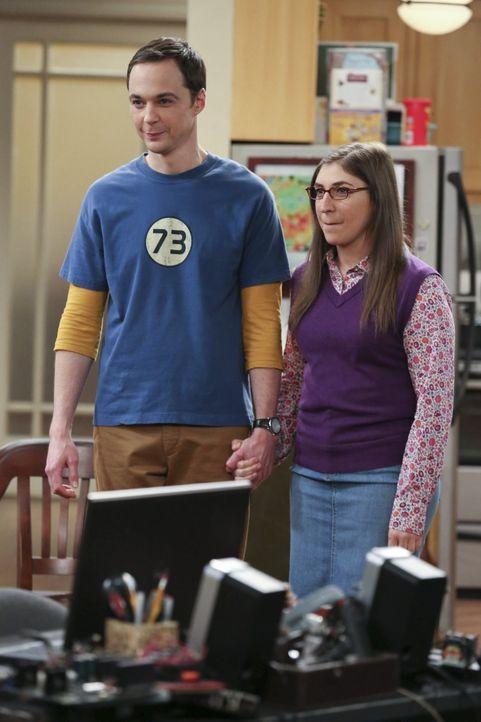 Geraten in Streit, als Amy (Mayim Bialik, r.) erfährt, dass Sheldon (Jim Parsons, l.) sich für eine Mission zum Mars gemeldet hat ... - Bildquelle: Warner Bros. Television