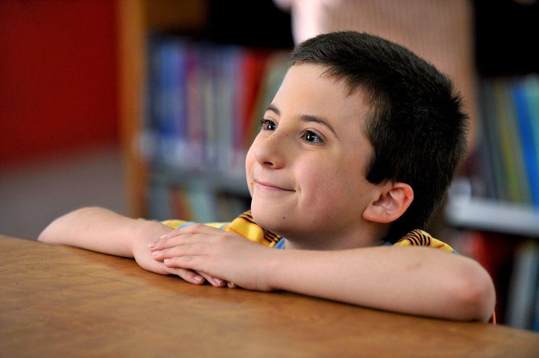 Beim Elterntag stellt sich heraus, dass Brick (Atticus Shaffer) versetzungsgefährdet ist und das ausgerechnet wegen seiner Liebe zu Büchern ... - Bildquelle: Warner Brothers