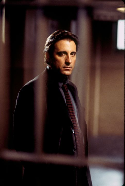 Mike Delmarco (Andy Garcia) kann es nicht glauben, dass seine liebreizende Kollegin eine Mörderin sein soll. Wird es ihm gelingen, das Gegenteil zu... - Bildquelle: Paramount Pictures