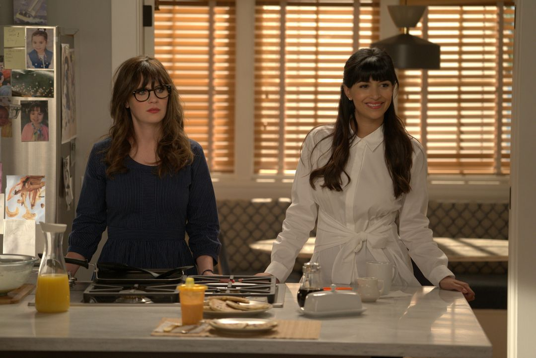 Sorgt die Vorschulthematik für Streit zwischen den alten Freundinnen Jess (Zooey Deschanel, l.) und Cece (Hannah Simone, r.)? - Bildquelle: Ray Mickshaw 2018 Fox and its related entities.  All rights reserved.