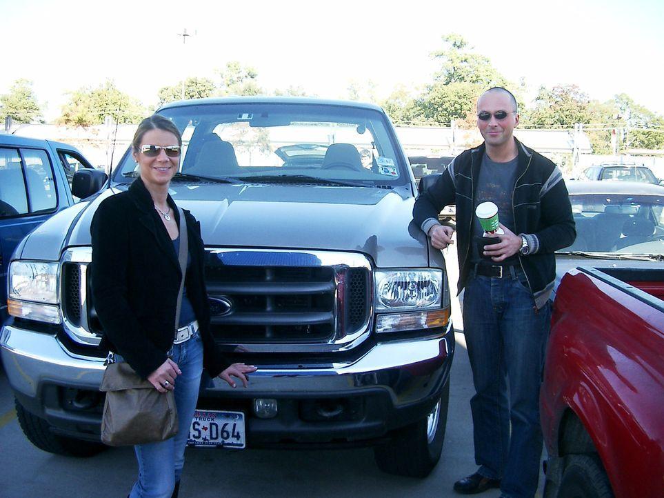 Erst vor vier Monaten sind Andrea (34) und Dieter (36) Szurowski aus der Lüneburger Heide nach Houston in Texas ausgewandert. Dort will das Ehepaar... - Bildquelle: kabel eins