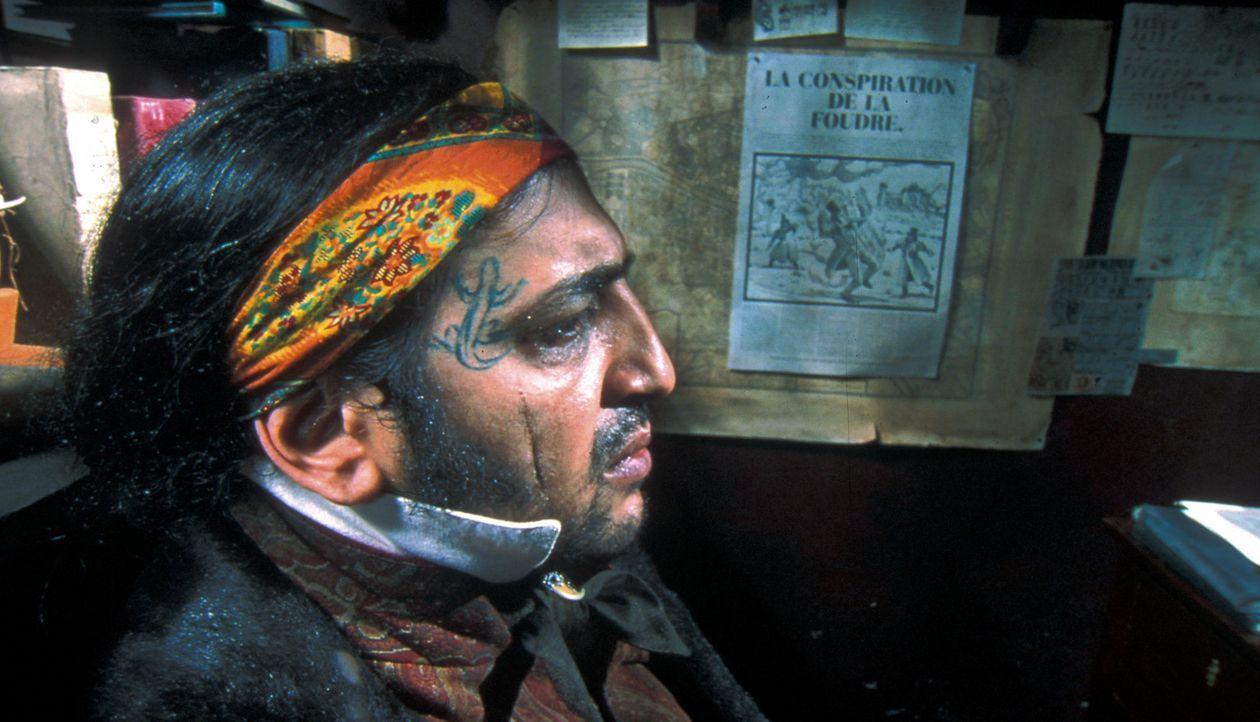 Nimier (Moussa Maaskri), Vidocqs Teilhaber, ist ebenfalls wie Etienne auf der Suche nach dem Alchemisten ... - Bildquelle: Studio Canal