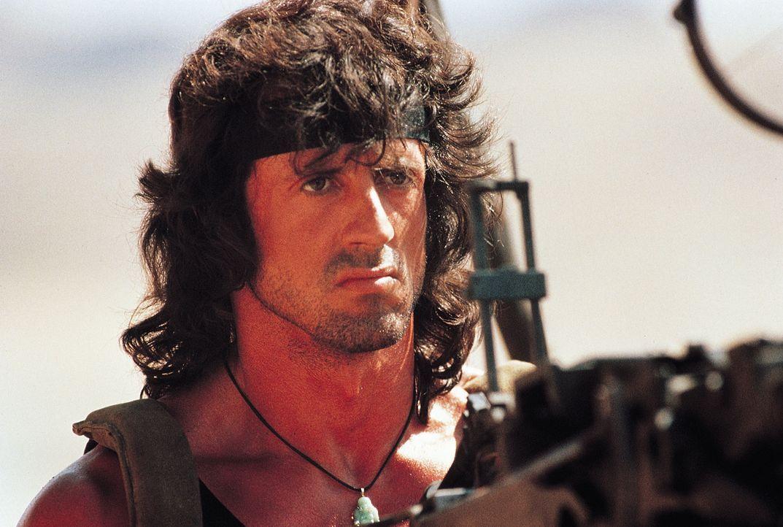 John Rambo (Sylvester Stallone) hat in einem buddhistischen Kloster in Thailand endlich seinen inneren Frieden gefunden. Doch als er erfährt, dass s... - Bildquelle: 1988 STUDIOCANAL. All Rights Reserved.