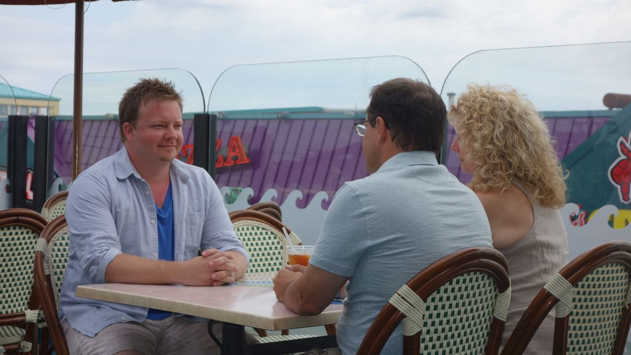Strandpromenade in Sicht - Bildquelle: 2014, HGTV/Scripps Networks, LLC. All Rights Reserved.
