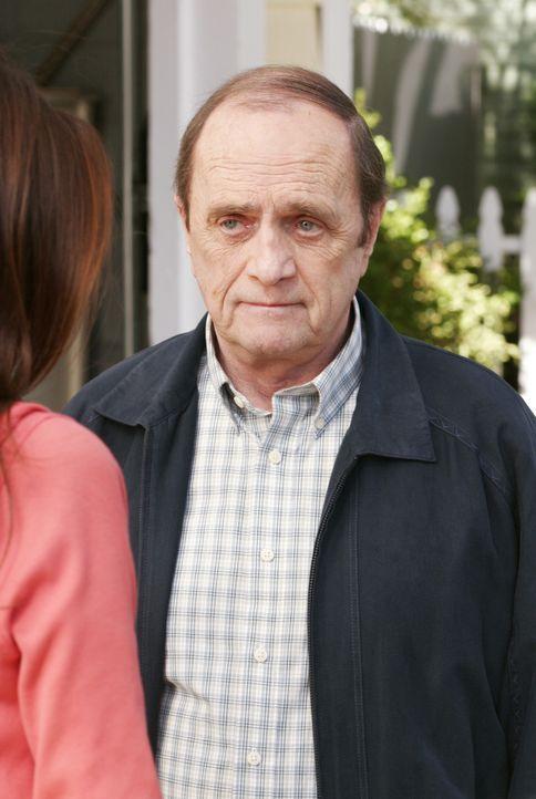 Susan's Mutter, Sophie, schwor sich einst, niemals wieder zu heiraten, bis plötzlich Morty (Bob Newhart) auftaucht und sie bittet, ihn zu heiraten.... - Bildquelle: Touchstone Pictures