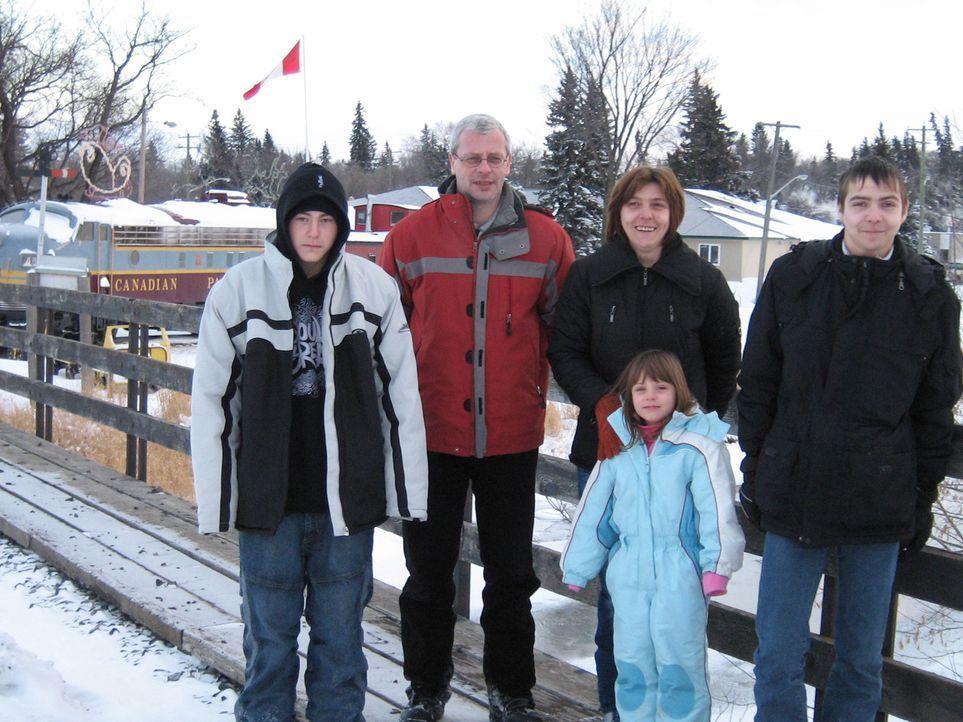 Um seiner Kündigung zuvorzukommen, hat Jens Simon (41) vor einem Jahr seinen Job gekündigt. Seither plant er seine Auswanderung nach Kanada und ho... - Bildquelle: kabel eins