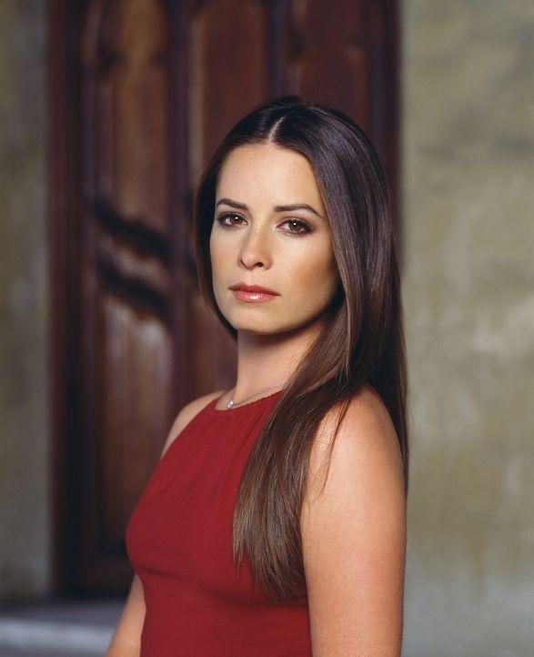(4. Staffel) - Piper (Holly Marie Combs) schwört allen Dämonen grausame Rache und wird dabei selbst zur Furie. - Bildquelle: Paramount Pictures