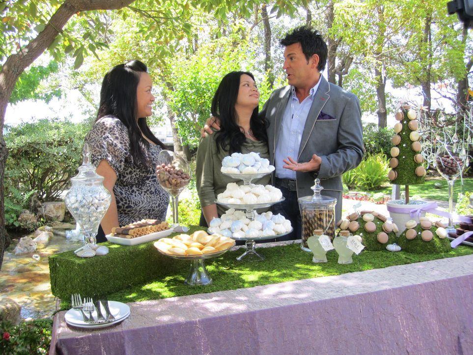 (4. Staffel) - Wedding-Planner David Tutera (r.) weiß, was Frauen glücklich macht ... - Bildquelle: 2012 PilgrimStudios