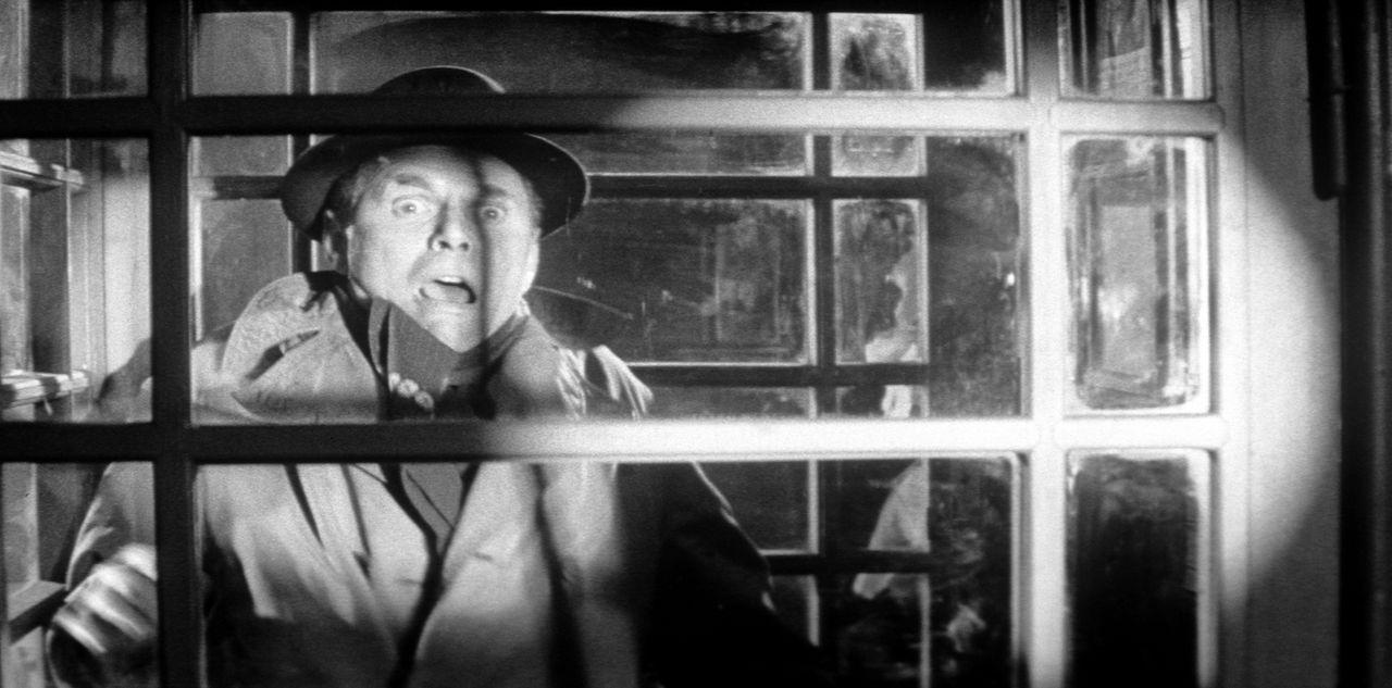 Der zwielichtige Shelby (Karl John) erlebt eine furchtbare Schreckenssekunde - vielleicht seine letzte ... - Bildquelle: Constantin Film