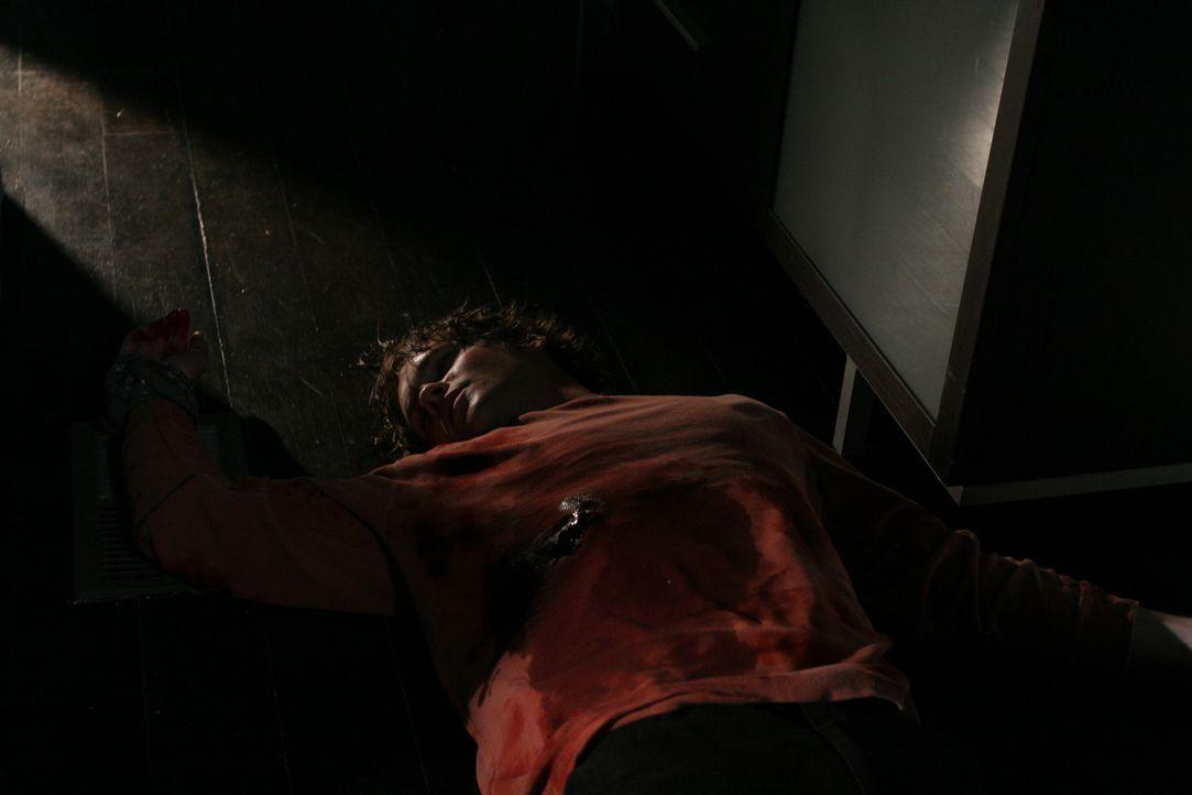 Bleibt auf dem Altar des Selbsterhaltungstriebes zurück: Brent (Teddy Dunn), der noch vor wenigen Stunden die tiefe Freundschaft zwischen den Jugen... - Bildquelle: After Dark Films. All Rights Reserved.