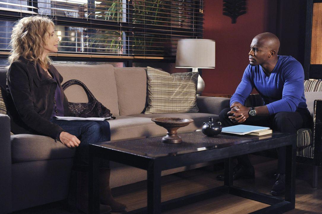 Maya und ihr Freund Dink wollen heiraten. Sam (Taye Diggs, r.) und Dinks Mutter Corinne (Rosanna Arquette, l.) entscheiden dies zu erlauben, während... - Bildquelle: ABC Studios